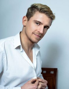 Begleiter für Frauen - Max aus Berlin - Escort-Mann für Frauen